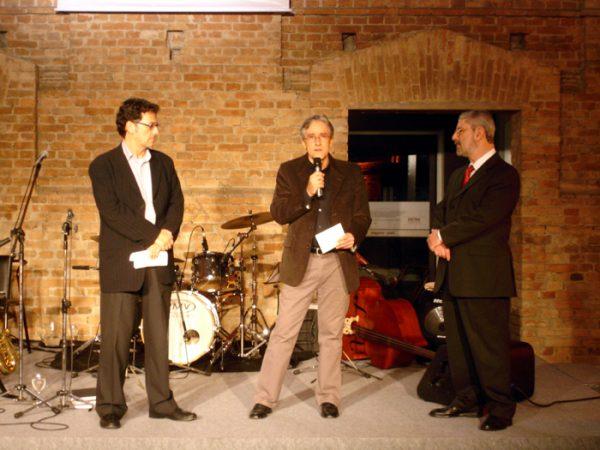 Marcelo Araújo (Diretor da Pinacoteca a Época), Tobias Visconti (Diretor do Projeto Eliseu Visconti) e o Representante da Fiat, patrocinadora da Expo Arte e Design, na Pinacoteca de São Paulo - 2008