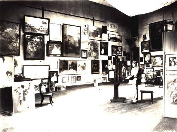 Eliseu Visconti em seu atelier