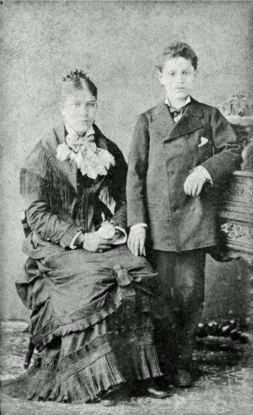 VISCONTI COM SUA IRMÃ MARIANELLA - c.1876