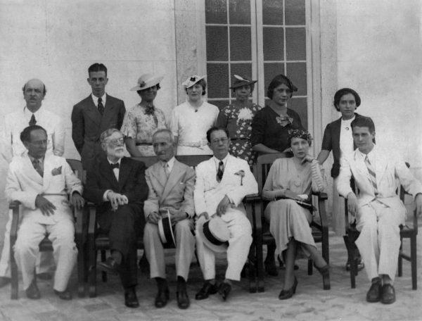 VISCONTI COM ALUNOS DE ARTE DECORATIVA - c.1935