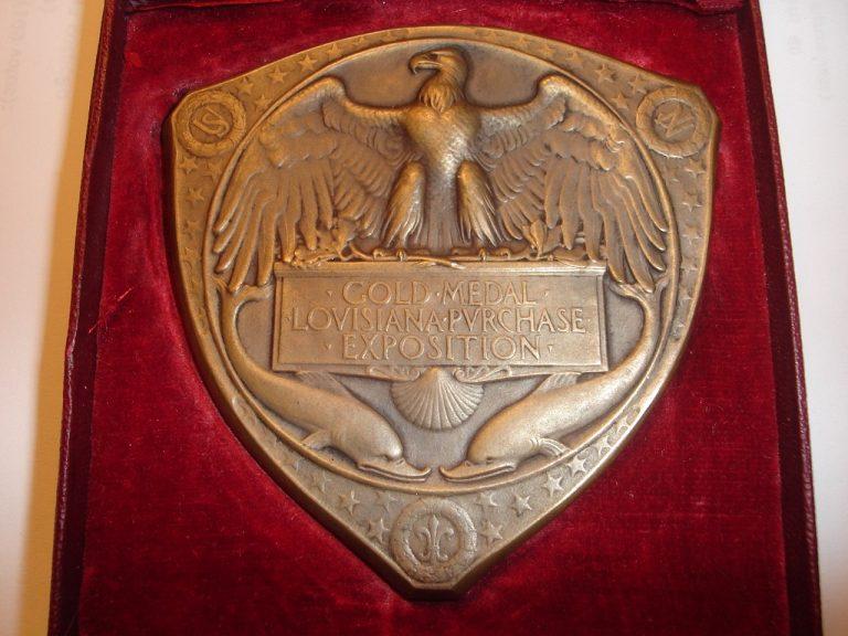 MEDALHA DE OURO NA EXPOSIÇÃO UNIVERSAL DE 1904 EM SAINT LOUIS - EUA