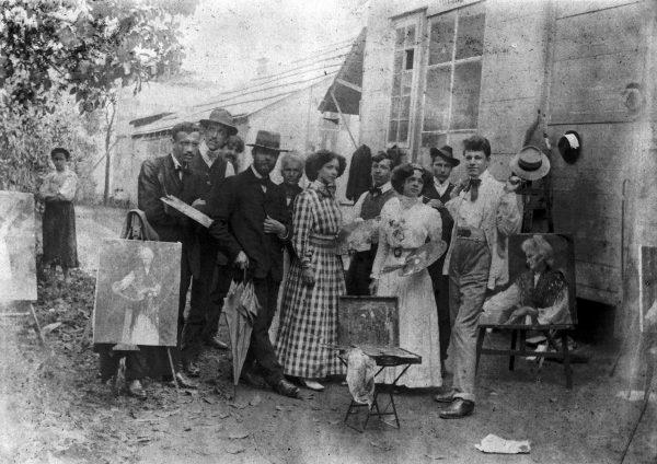 Visconti com alunos da Escola de Belas Artes em aula ao ar livre - c.1910