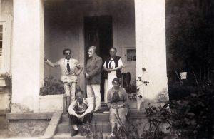 Marques Júnior com a família de Visconti, em Teresópolis - c.1937